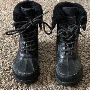 Barely worn Ugg Butte II Snow Boots  toddler boots